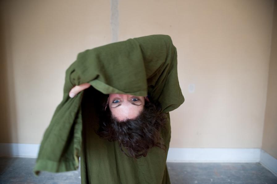 Stacey Feldman dancing
